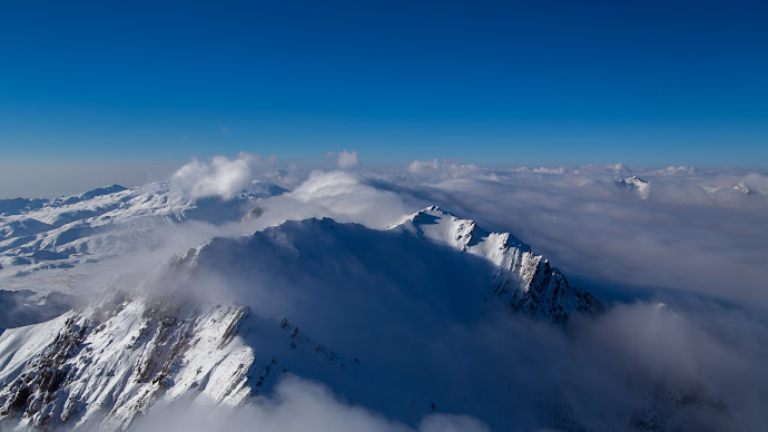 Wallpaper: Clouds. Mountains. White Peaks. Snow