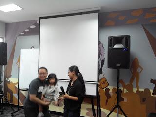 Lingga Madu, CEO SaleStock, istrinya Ariza, dan sang anak, Soraya