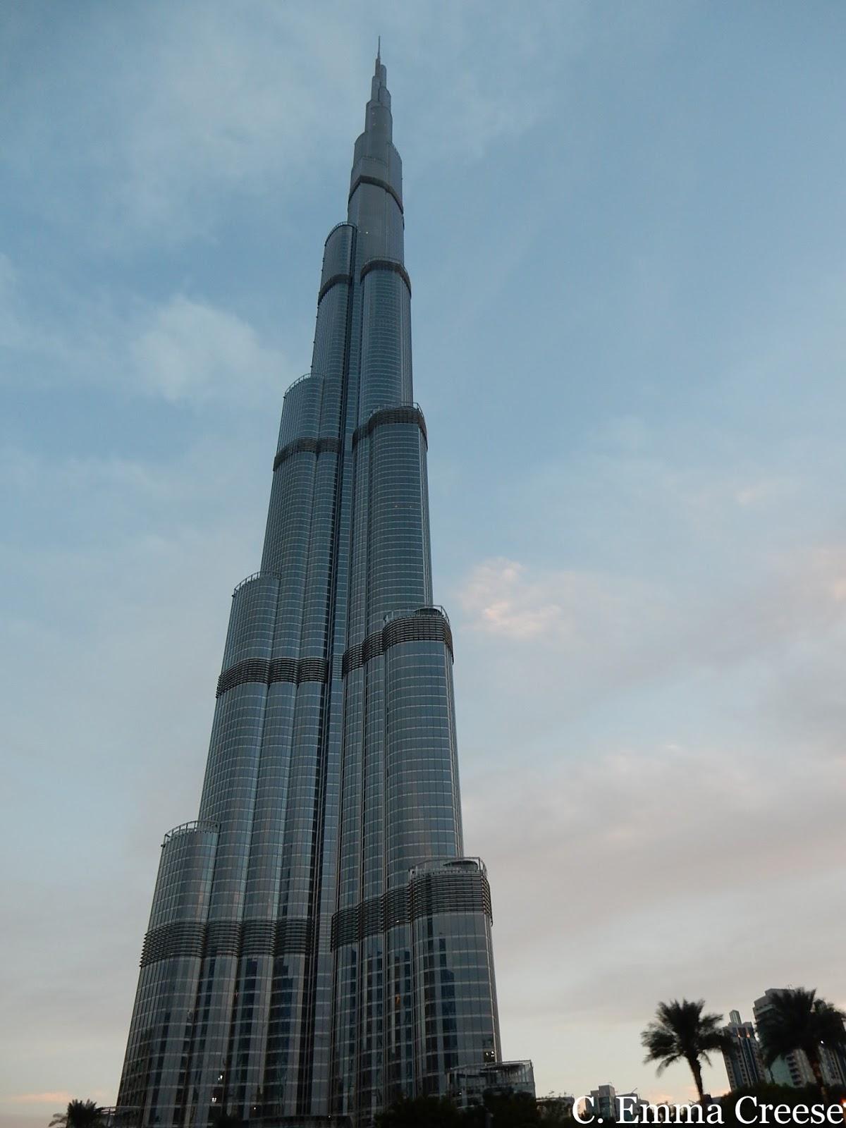 Dubai Must do Burj Khalifa worlds tallest building