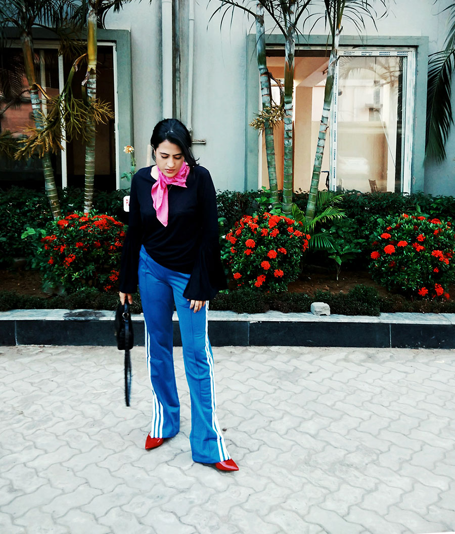 navywomen'sNexttop,AdidasOriginalwomen'sTrack Pants,Zarablackbag ,Zara red Heels,