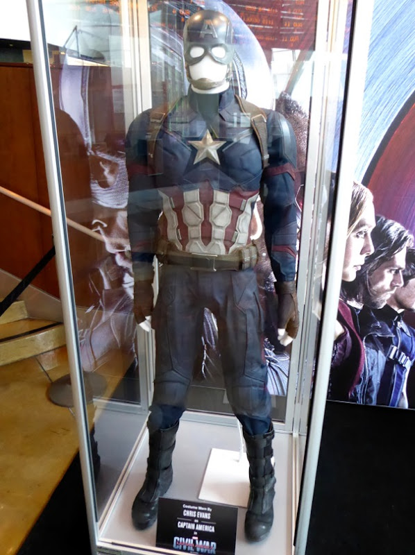 Captain America Civil War uniform