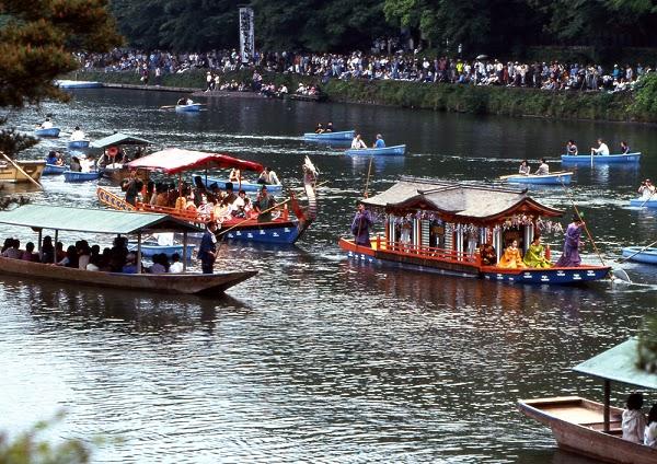 Kết quả hình ảnh cho Thuyền chờ khách trên sông Katsura