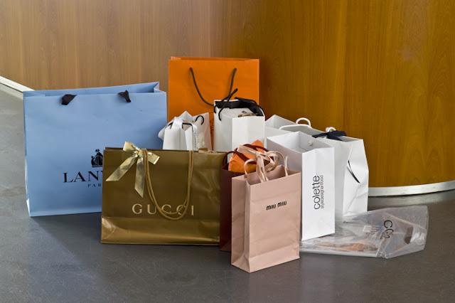Einkaufstaschen von Luxusmarken
