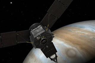 Após quase cinco anos de viagem, sonda da Nasa chega a Júpiter