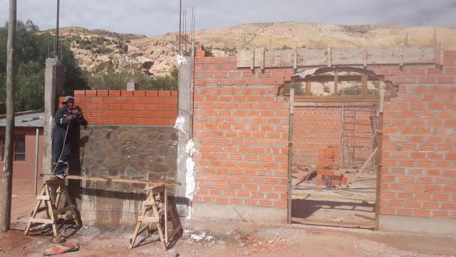 Kapellenbau in Casa Grande, dort wird seitens der Pfarrei schon etwas geleistet.