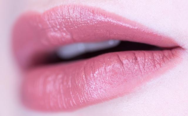 Isadora Lip Sculpting lipstick «Praline» 52 свотчи