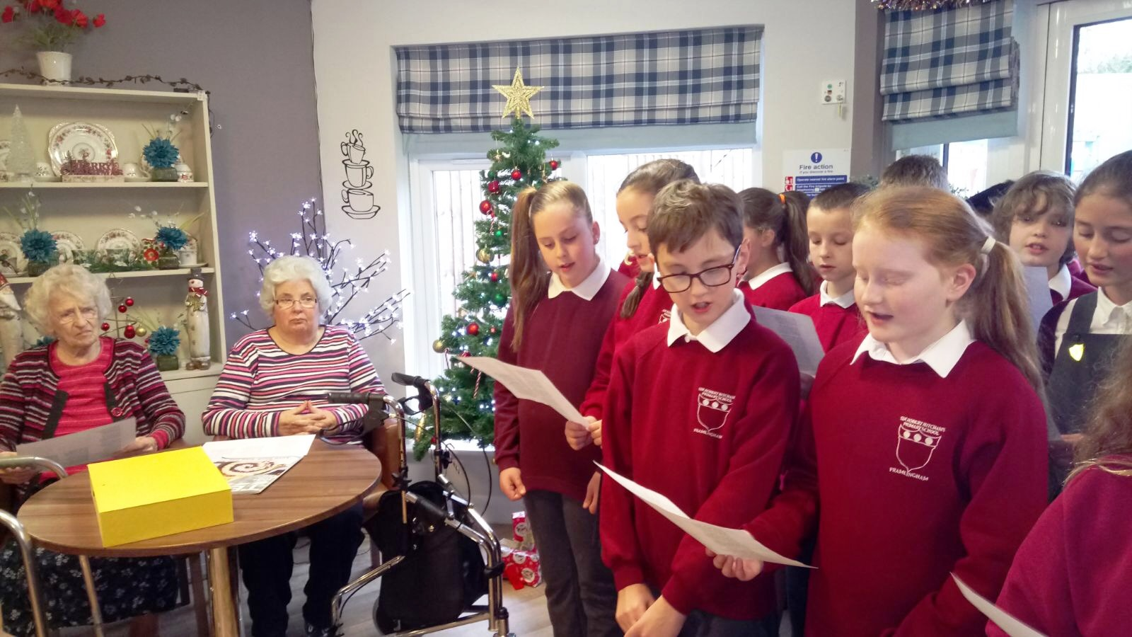 Christmas Carol Singers Decorations.Hitcham S Blog Mills Meadow Visited By Year 6 Carol Singers