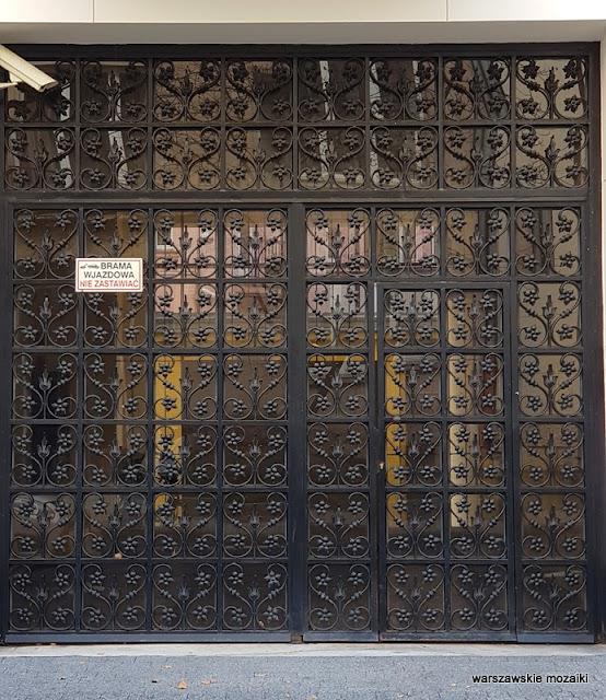 drzwi brama warszawa warsaw warszawskie ulice funkcjonalizm architektura przedwojenne