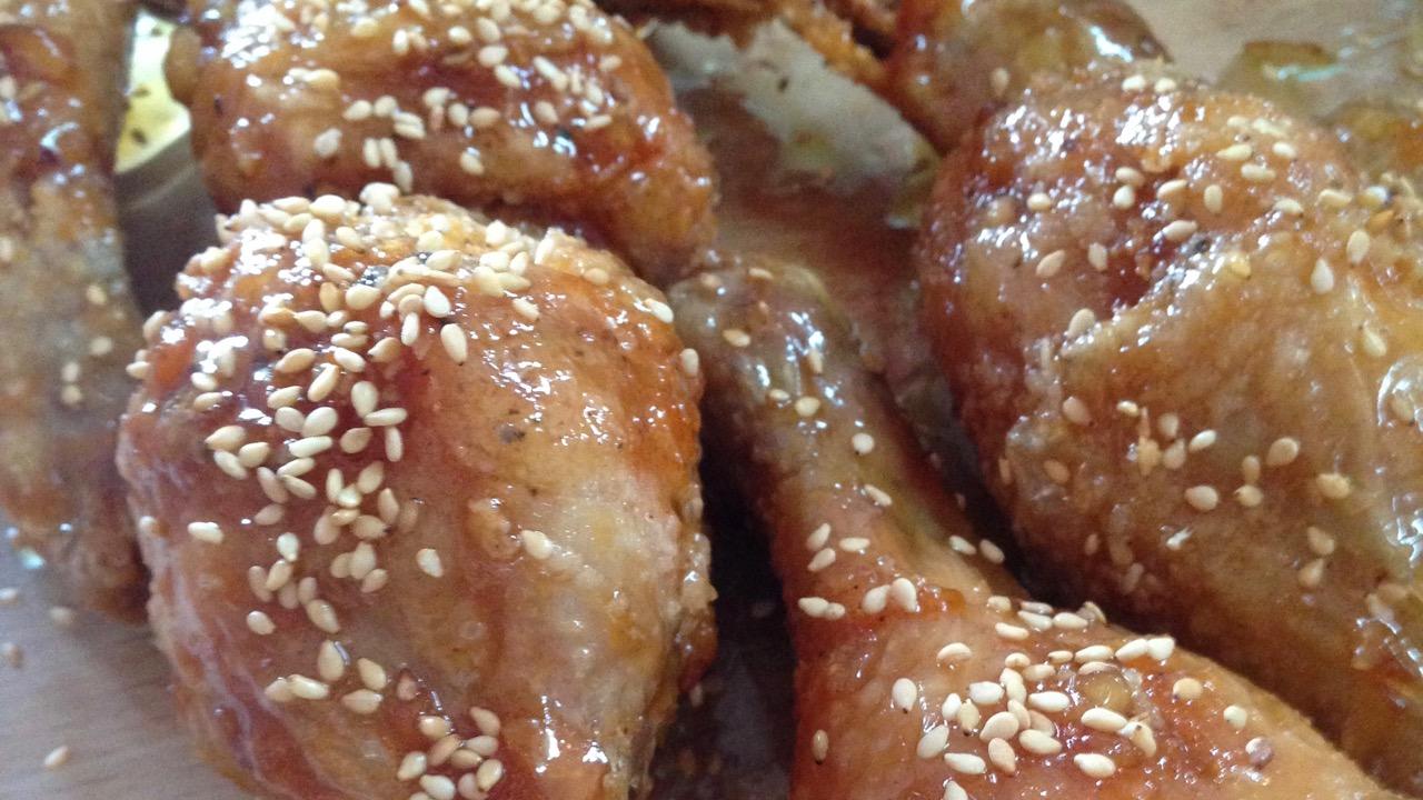 Dakgangjeong - kross frittiertes koreanisches Huhn