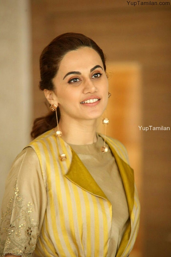 Tapsee Pannu Hot Photos & Pictures,Images,Stills