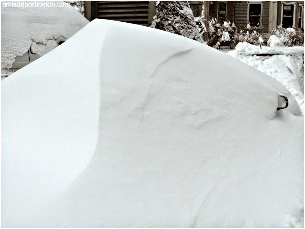 Juno: Coche Enterrado en la Nieve