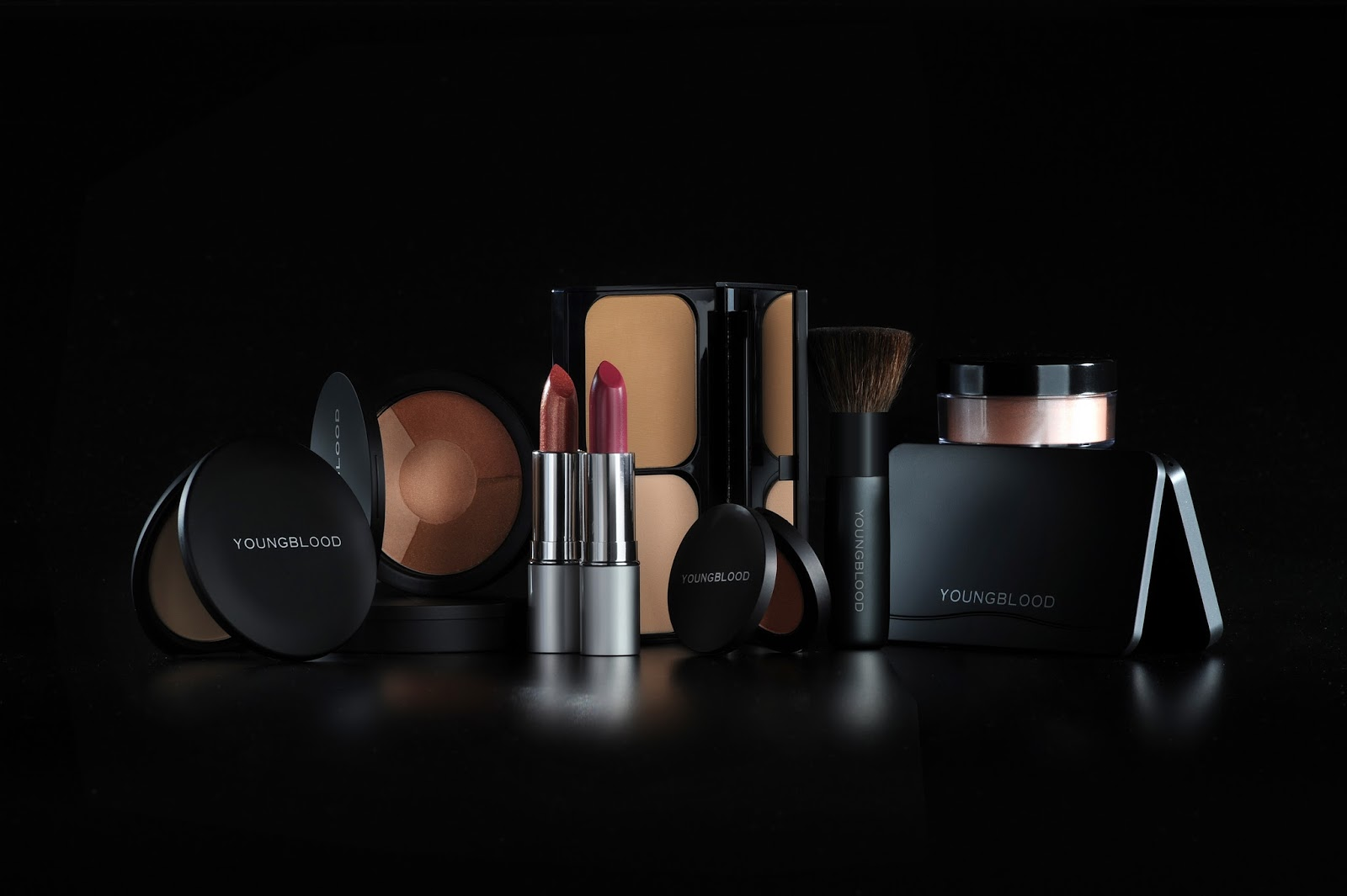 Naked cosmetic commercial