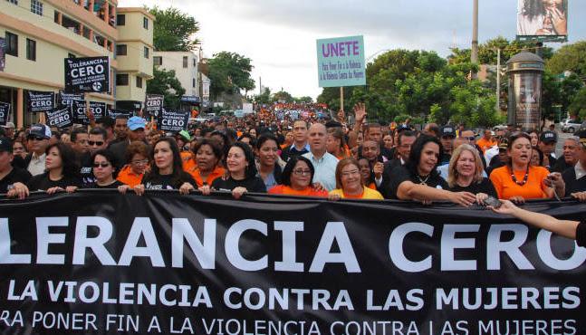 FEMINISTAS MARCHAN CONTRA ABUSOS