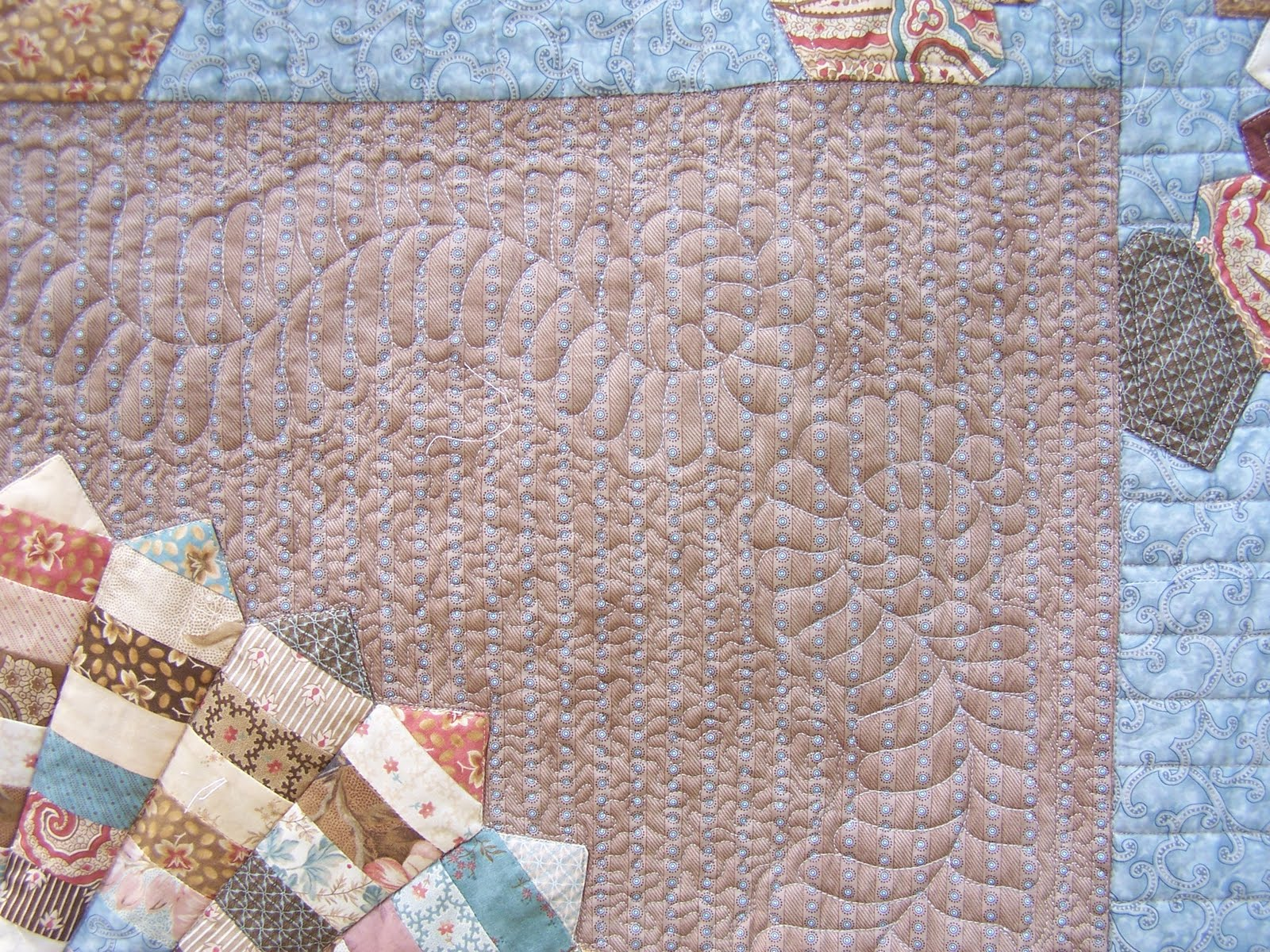 Bett Dahlia Patchwork Fundamentals On The Road 1