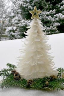 albero di natale con piume