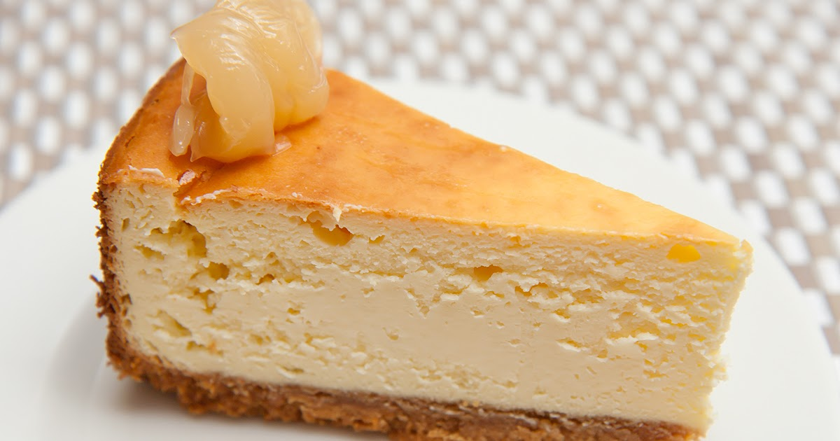 Cook With No Books: Baked cheese cake with peanut butter base