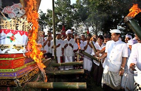 Budaya Bali Upacara Ngaben