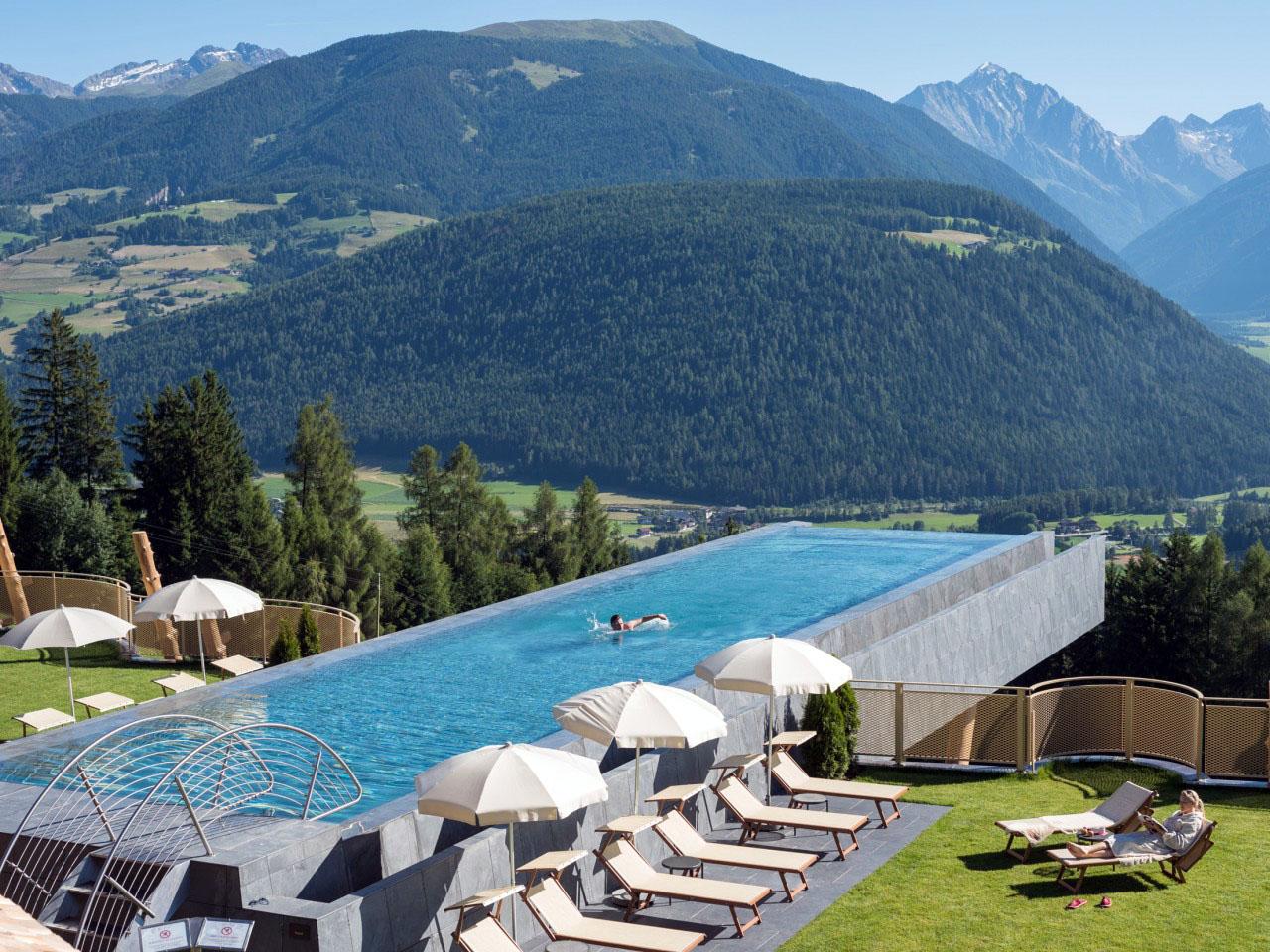 Descubre tu mundo el descanso so ado hotel hubertus dolomitas italia destino - Piscina hotel hubertus ...