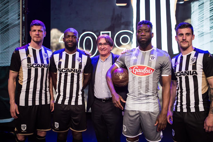 fce3fed94cc Angers have become the first club in France to unveil its new 2019-2020  kits. The new Angers 2019-20 shirts are once again produced by Kappa.