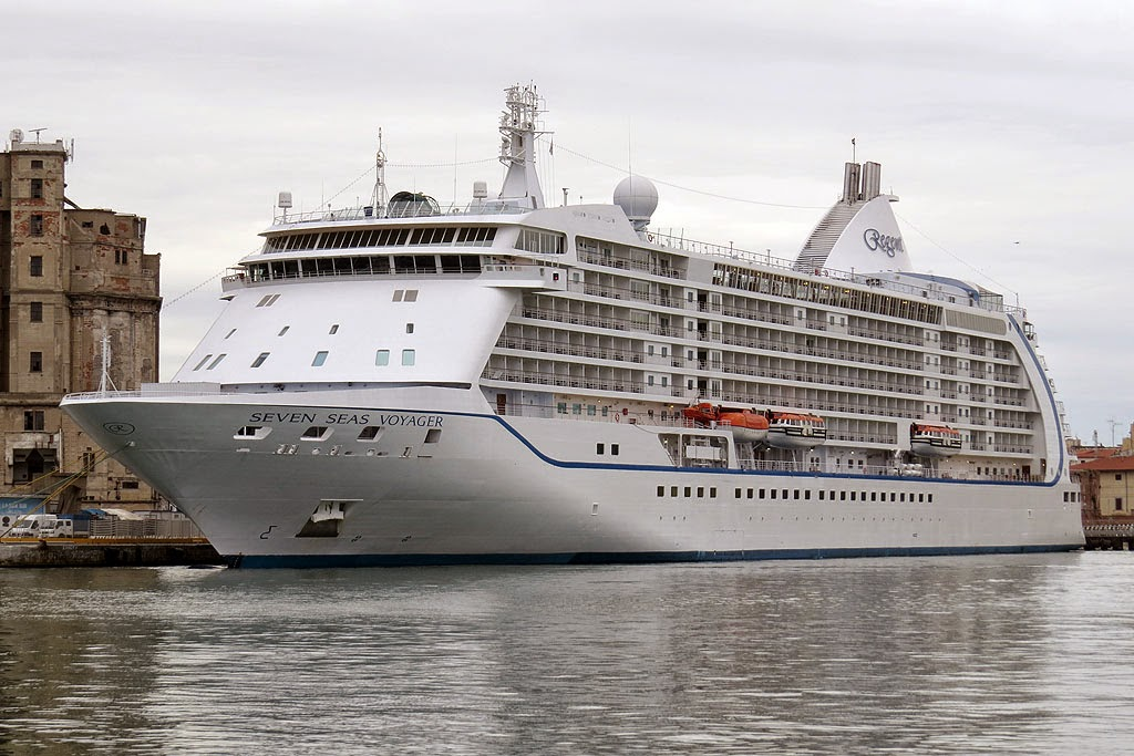 Seven Seas Voyager, IMO 9247144, port of Livorno