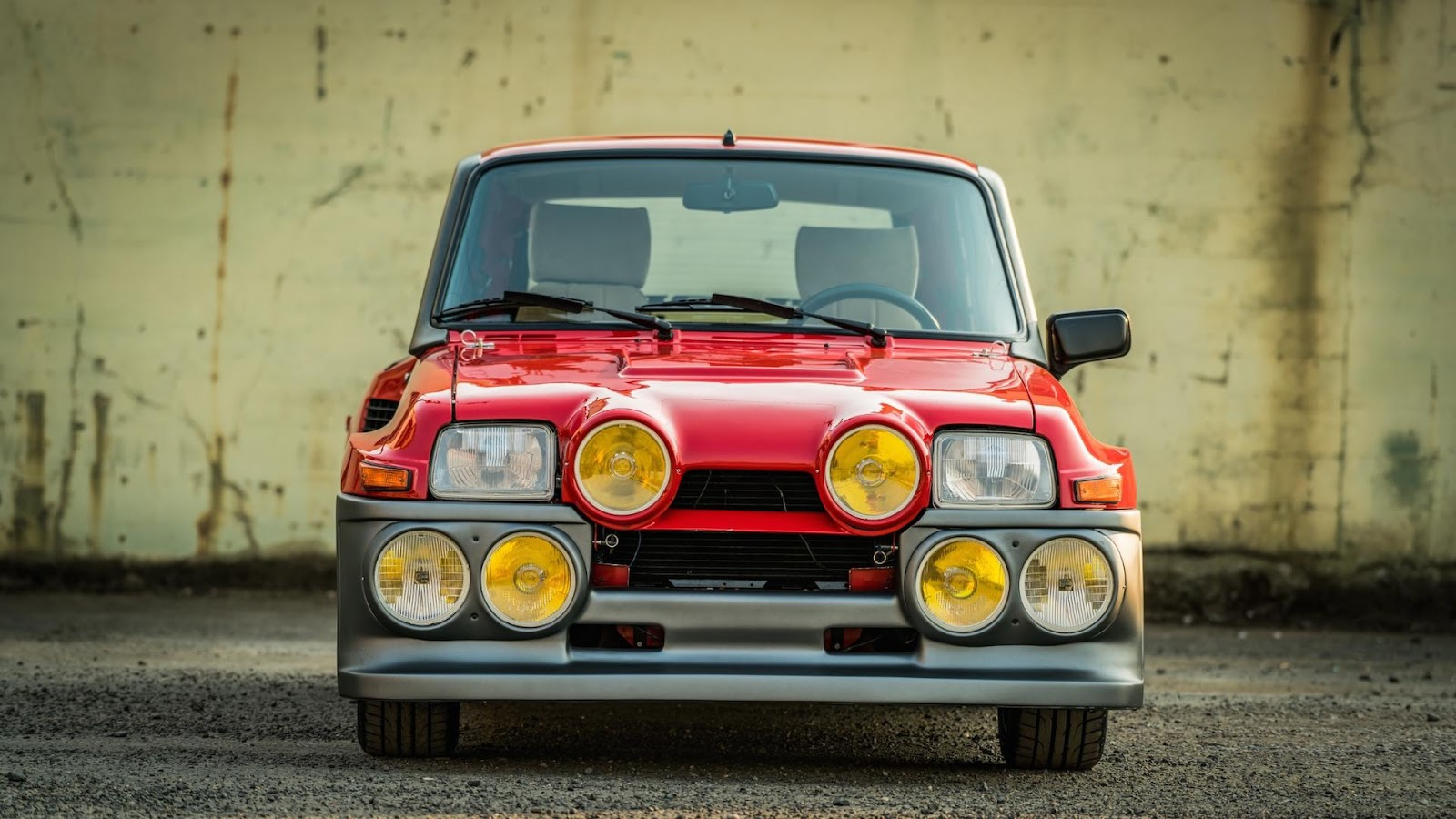 glorious 1985 renault r5 turbo 2 evolution is the perfect. Black Bedroom Furniture Sets. Home Design Ideas