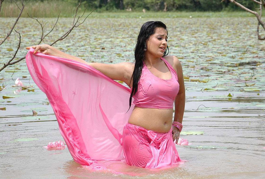 kerala-girls-hot-wet-pic