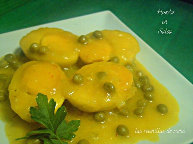 """Huevos en salsa"""