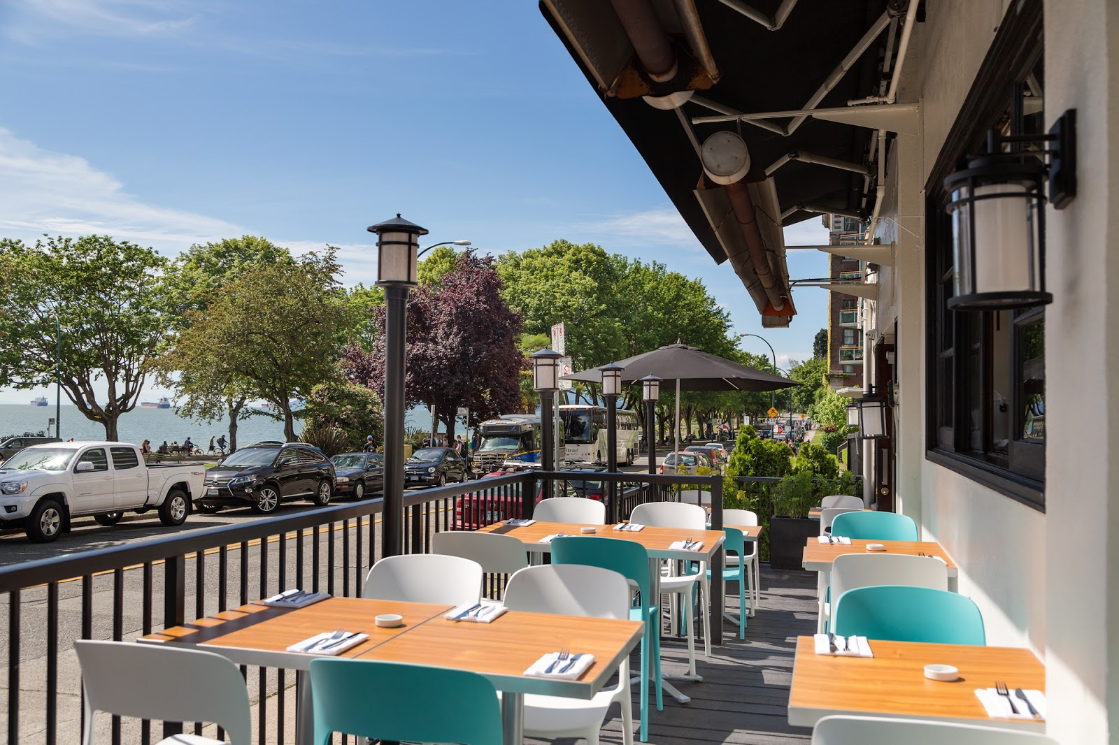 Vancouver S Raincity Grill Morphs Into The Sleek Beach Bay Cafe And Patio