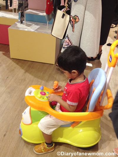 And another ride! Other than the products for newborns,the concept store is with toys for toddlers and preschoolers too.It is not a surprise that my 3 years old kid loves active toys like these... :)