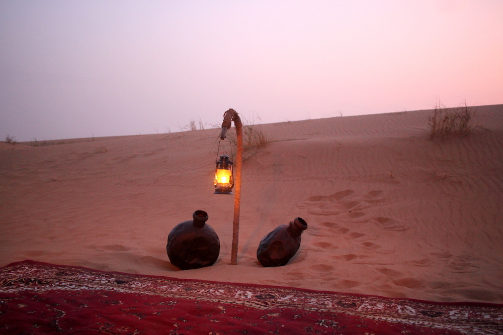 sunset dinner dubai desert