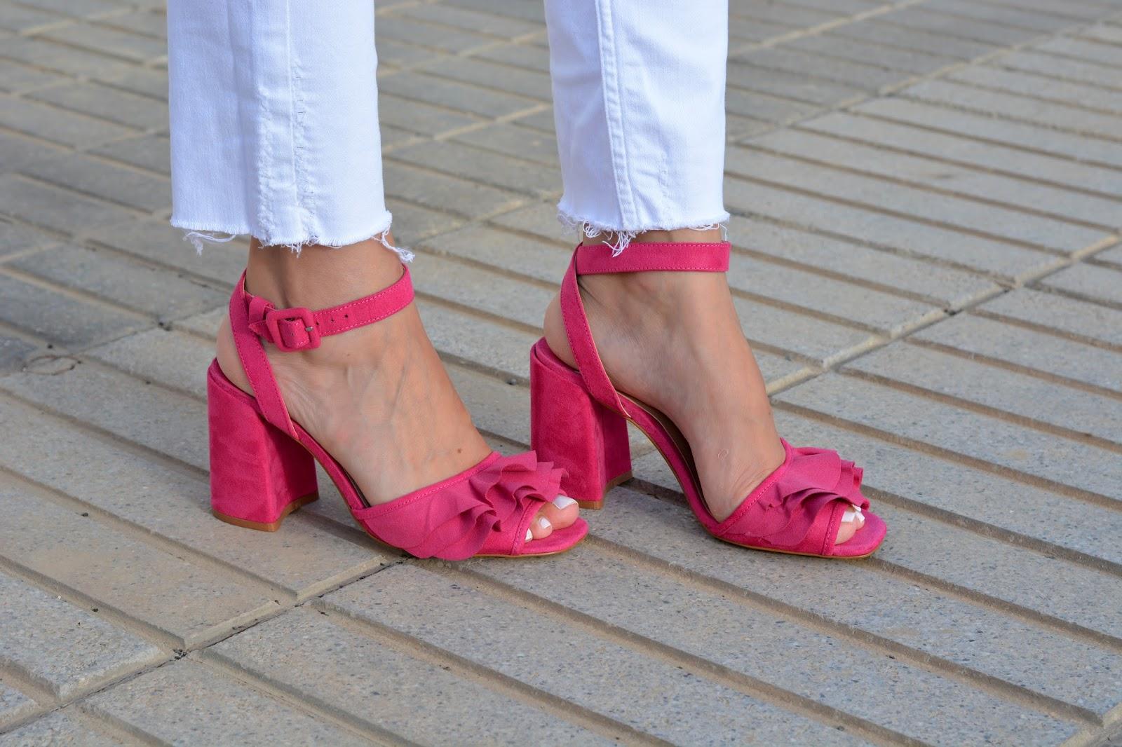 stradivarius-pink-sandals-frills
