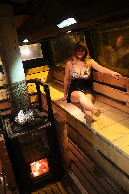 Viivi, bathing suit, big breasts, sauna, uimapuku, isot rinnat,