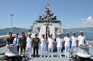 Vietnamese reception team onboard INS Satpura
