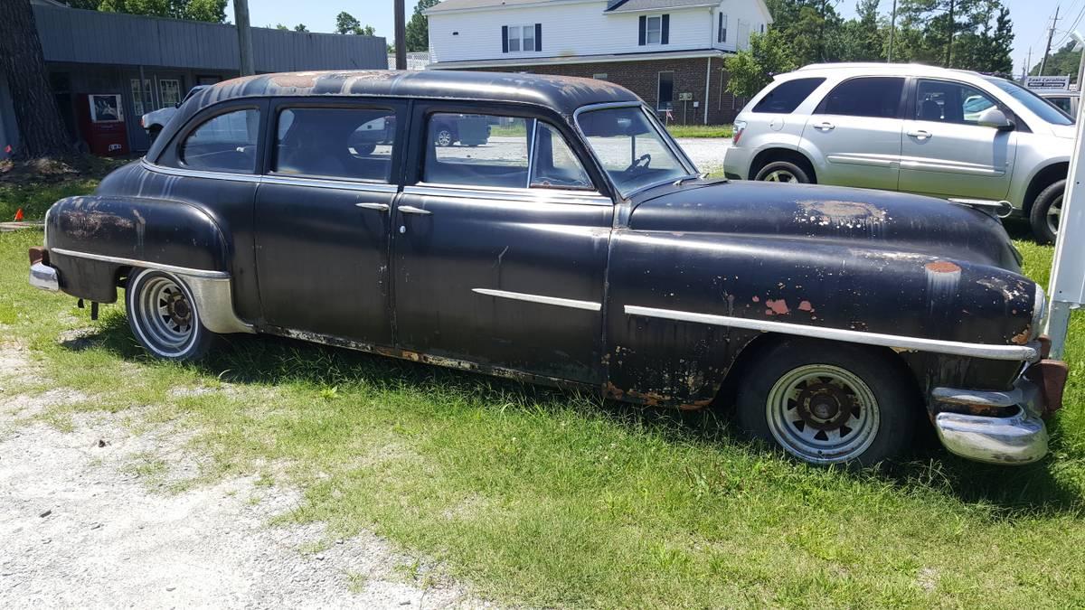 Daily Turismo 1952 Chrysler Saratoga Limousine