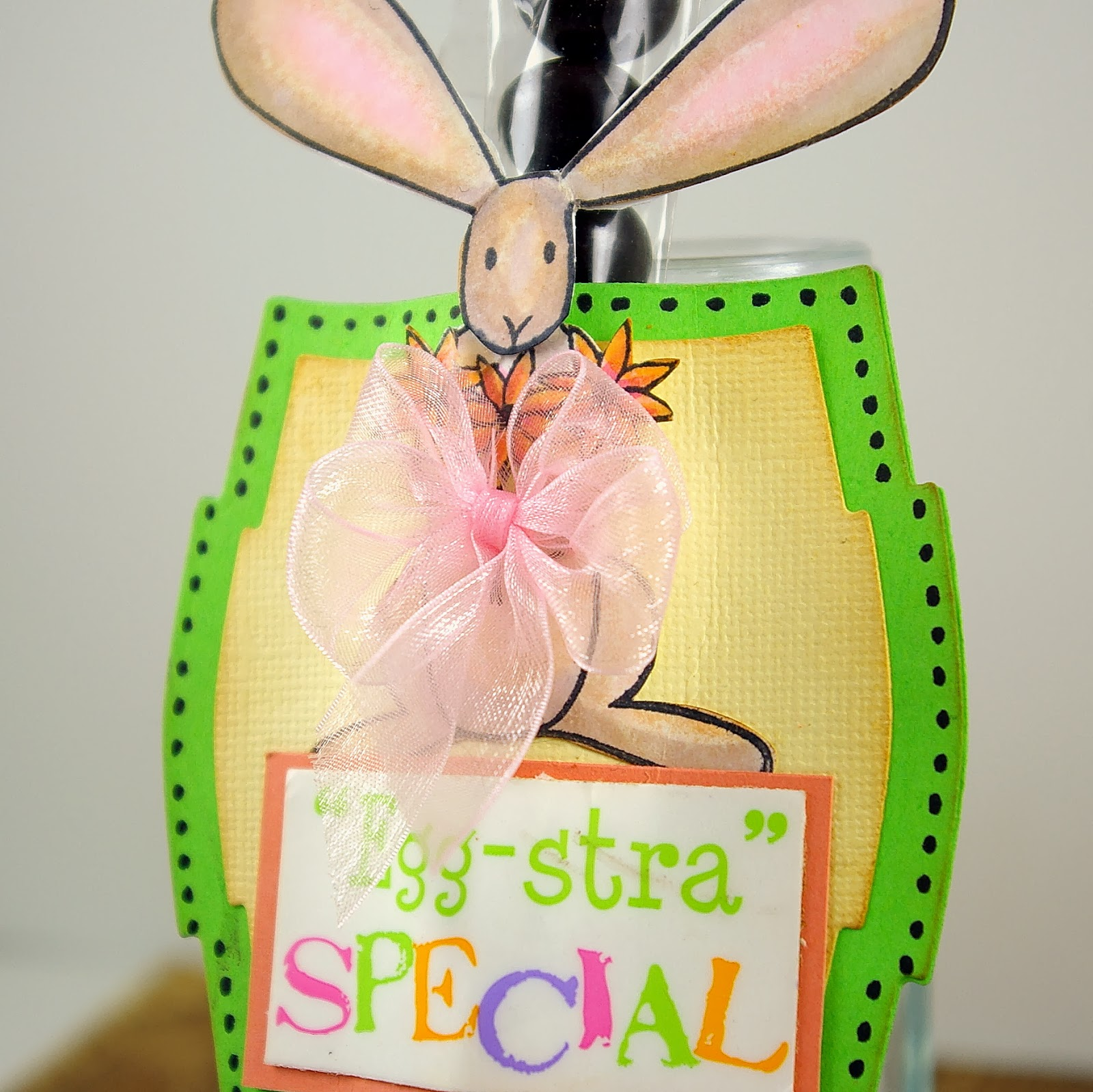 SRM Stickers Blog - Egg-stra Special Easter Treat by Michelle - #clear bag #stickers #easter #treat