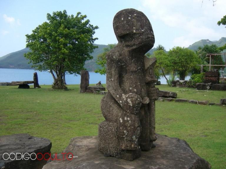 Las extrañas estatuas de Temehea Tohua representarían seres extraterrestres reptilianos y grises. Eso se puede deducir al ver su misteriosa estructura y el sorprendente parecido a las descripciones de los seres extraterrestres. Una cosa es clara: No representan seres humanos.