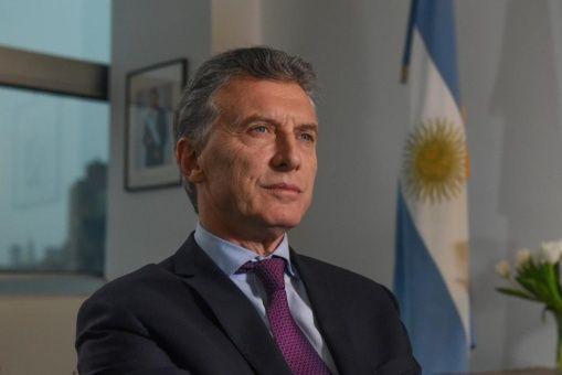 Formalizan decreto que prohíbe familiares en Gobierno argentino