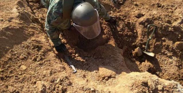 H εξουδετέρωσης βόμβας στην Ελευσίνα αλλα ποιος την έριξε αποκρύπτουν επιμελώς να αναφέρουν