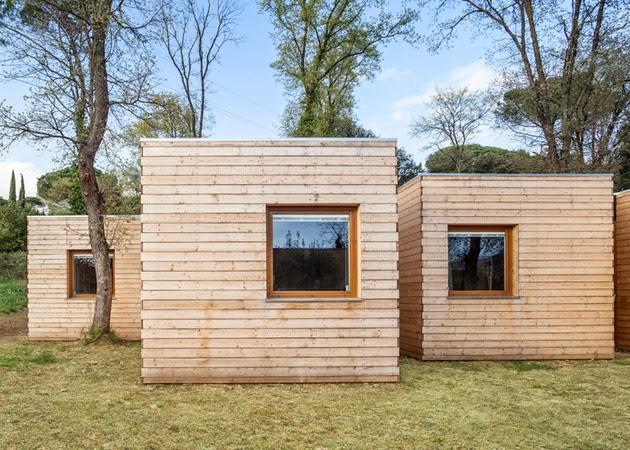 desain rumah kayu sederhana berbentuk persegi rancangan