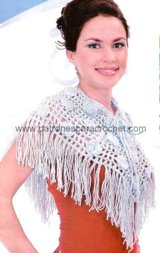 capa con flecos crochet