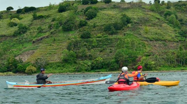 Luhut Minta Para Bupati Aktif Kembangkan Danau Toba
