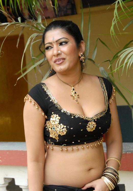 Bangla hot song and garam masala 2014 youtubeflv - 3 7