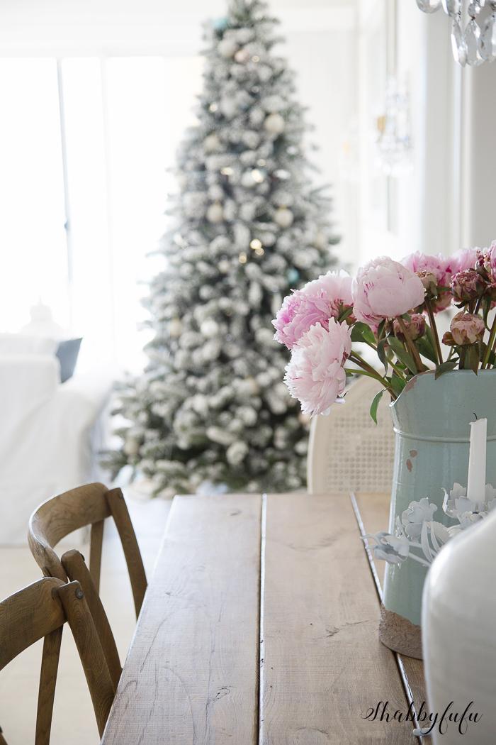 french-farmhouse-christmas