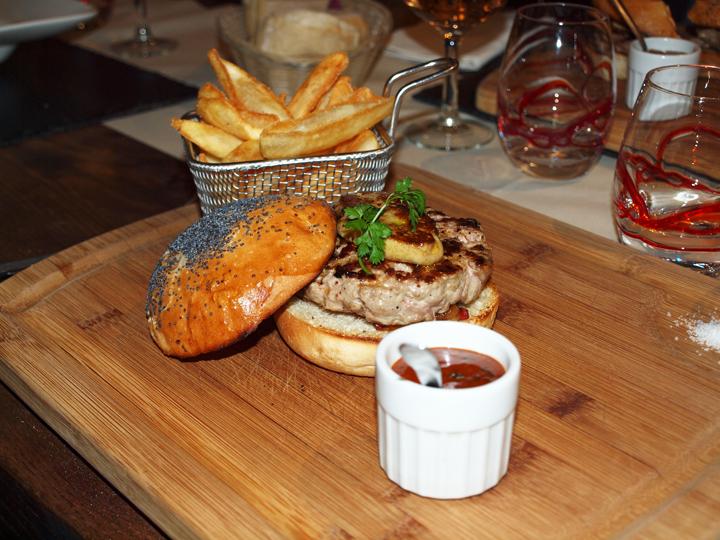 burger de canard la Petite Auberge La Rochelle