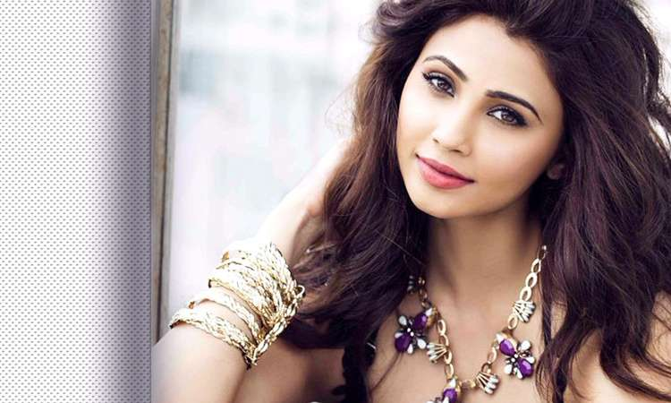 Daisy Shah Hits, Flops, Blockbusters, Box Office Records, Daisy Shah Top 10 Highest Grossing Films mt Wiki, Daisy Shah Top 10 Highest Grossing Films Of All Time wikipedia, Biggest hits of his career, Wiki, Box Office Indian, koimoi