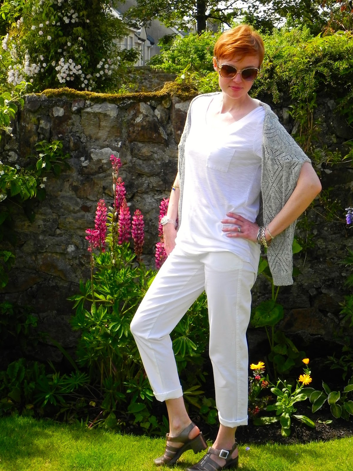 white jeans, wearing all white over 40.