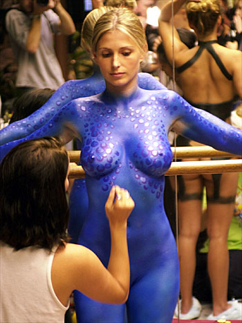 blue body painting session