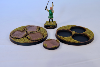 Round base solution with sergeant for comparison