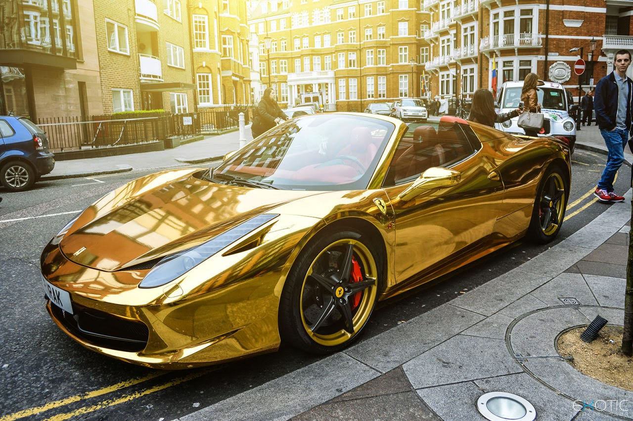 luxury life design chrome gold ferrari 458 spider. Black Bedroom Furniture Sets. Home Design Ideas
