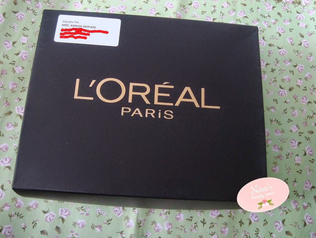 Unboxing L'Oreal Beauty Box : The Best of L'Oreal Paris Product